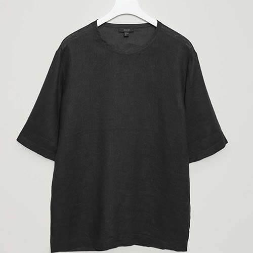 تی شرت مشکی برند کاس (COS)