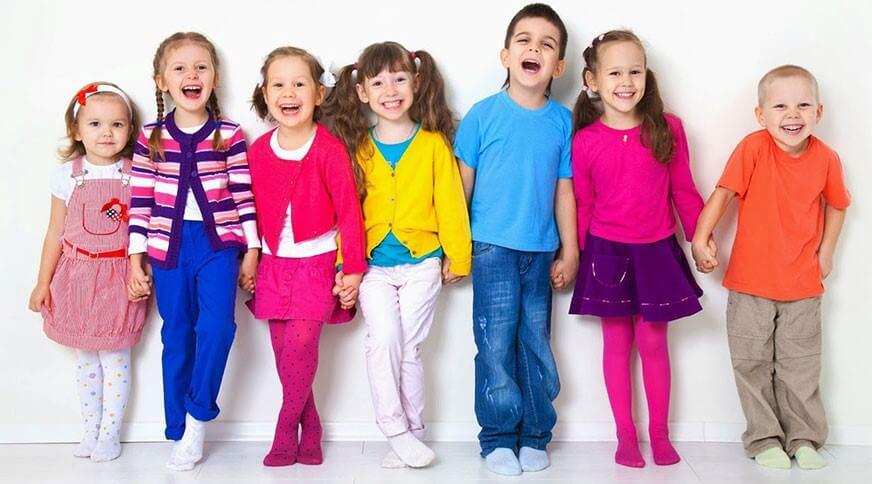 چرا باید برای فرزندمان به فکر لباس بچه گانه ارزان قیمت باشیم؟1